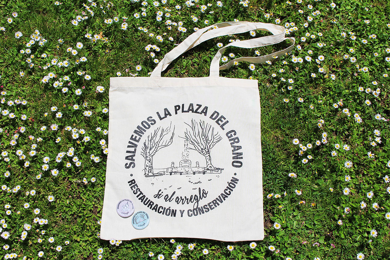 Diseño de Bolsas y Chapas Salvemos la Plaza del Grano